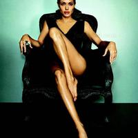 Angelina Jolie pánikba esett