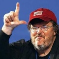 Michael Moore a pénzéért perel