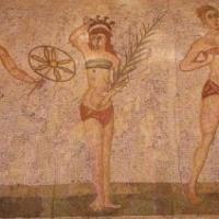 Íme a világ első bikinis nője