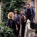 Két új videóklippel és előszilveszteri koncerttel zárja az évet az Éva Presszó