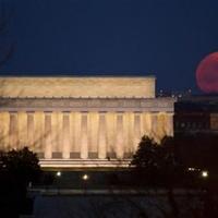 Hold esett a Capitoliumra