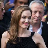 Angelina Jolie a forgatáson esett össze