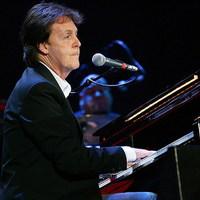200 ezren hallgatták McCartneyt Kijevben