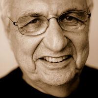 Frank Gehry bemutatott az újságíróknak
