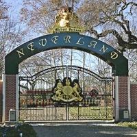 Törvény tiltja, hogy Neverlandben temessék el Michael Jacksont