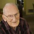 101 évesen hunyt el a későn érő író