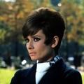Audrey Hepburn ruha nélkül