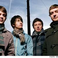 Mixlemezzel jelentkezik az Arctic Monkeys
