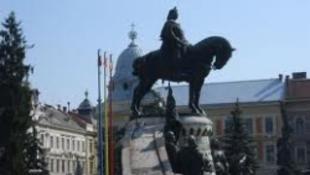 Meggyalázták a Mátyás-szobrot