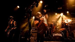 Ötállomásos turnéra indul szeptember végén a The Trousers