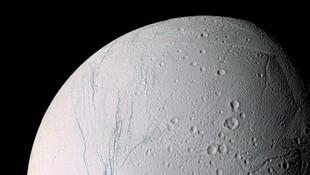 Óceánt rejthet a Szaturnusz Enkeladusz holdja