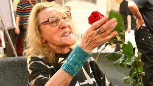 Elhunyt a román költészet nagyasszonya