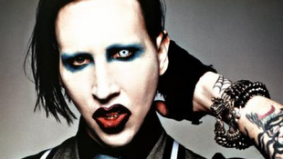 Gumicukrot kért Marilyn Manson