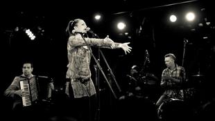 Jótékonysági koncertet ad a Budapest Bár
