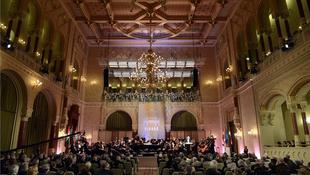 Ünnepi koncertek a Duna-parton