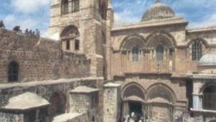 Több ezer zarándok volt a Szent Sírnál