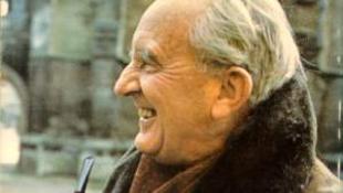 Hobbit kocsmadalokkal és kontakt tánccal ünneplik Tolkient