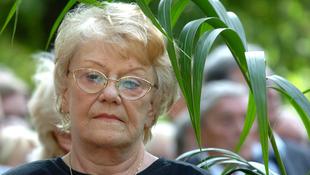 Elhunyt Kovács Erzsi