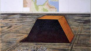 Csonka piramis a XX. század Requiemje?