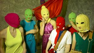 Kirúgták a Pussy Riot két tagját