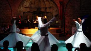 Isztambulban léggömbshow-val nyit a kulturális főváros