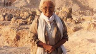 Elhunyt a női Indiana Jones
