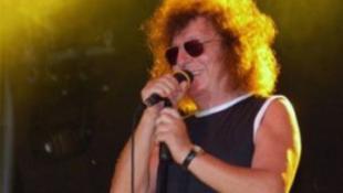 Botrányos dobálózás Demjén Rózsi koncertjén