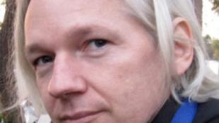 Két hónap után felszólalt a Wikileaks-alapító