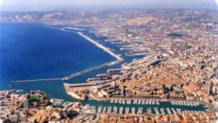 Marseille kiállít, felújít, főváros lesz