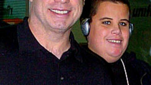 Meghalt John Travolta 16 éves fia