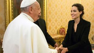 Kiderült, miért ment a Vatikánba Angelina Jolie