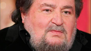 Gyász: meghalt a világhírű popénekes