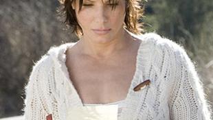 Frontálisan karambolozott Sandra Bullock