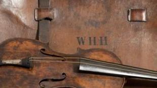 Hányatott sorsú hegedűt találtak