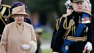 Elkésett az előadásról a brit uralkodó