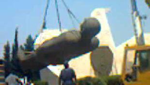 Állagmegőrzés céljából lebontják a gigantikus szobrot (videóval)