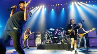 Rogyadoznak a listák az AC/DC új albuma alatt