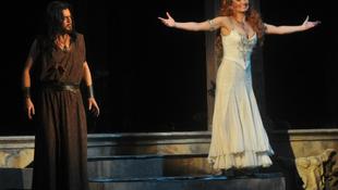 Salome visszatér Budapestre