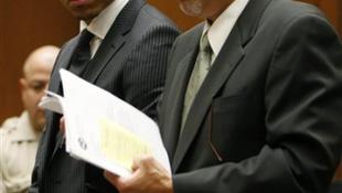 Chris Brown megkapta: közmunka és távoltartási végzés