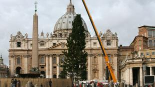 Mikulásra karácsonyfát kaptak az olaszok