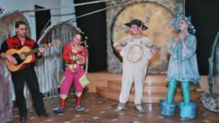Pécsett időzik a Cinka Panna Színház