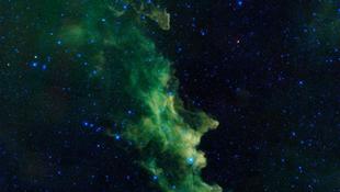 Kozmikus boszorkányfej az égen