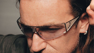 Bono újságíró lesz