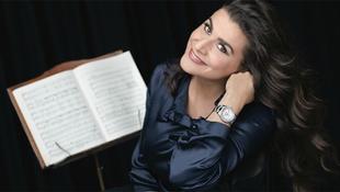 Visszatér az olasz operaénekesnő