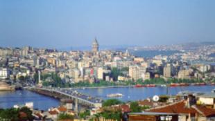 Mi van? Újra felépítik Isztambult – Párizsban!