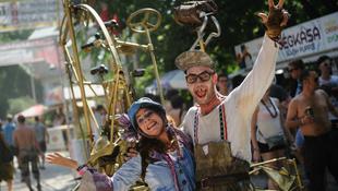 Cirkusz, játék, művészet és színház a Szigeten