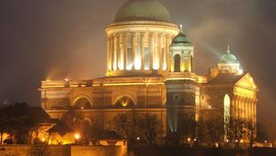 Elsötétül az esztergomi bazilika