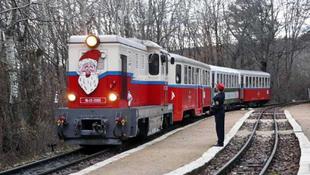 Vonatra száll a Mikulás