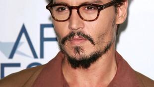 Felhagy a kalózkodással Johnny Depp