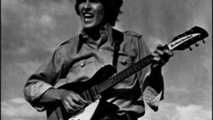 Kincset találtak: a sírból üzen a Beatles-legenda